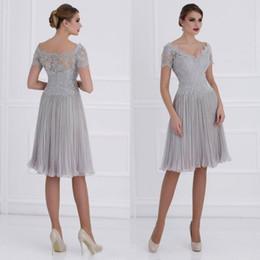 Wholesale Knee Length Lace Ruched Dresses - 2016 Sexy Knee Length Mother Bride Lace Dresses V Neck Lace Appliqued Top Illusion Short Sleeves Ruched Chiffon Wedding Guest Formal Gowns