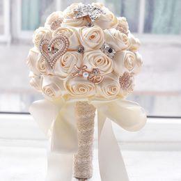 Canada 2019 Nouveau Style Élégant Superbes Fleurs De Mariage Perles Broche Demoiselle D'honneur Bouquet De Mariée Bouquet De Mariage Rose cheap artificial bridesmaid flowers Offre