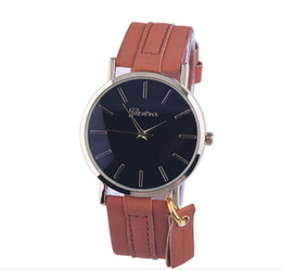 Wholesale Both Male Female - NEW GENEVA Restrostyle Simple style quartz watch real leather belt with pendant for both male and female