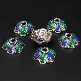 Perline di metallo fiamma online-(50 pezzi / lottp) 10mm Bead Caps Vintage smalto metallo smaltato perline Tibet Gioielli fai da te Risultati 13bz