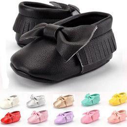 Wholesale Wholesale Designer Sandals - Bow Baby Moccasins Kids Baby Moccs Infant Shoes for Baby Girls Boys Soft Sole Tassel Leather Sandals First Walkers Brand Designer