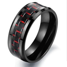 Intarsio rosso anello nero online-Fashion Day Jewelry Nuovo arrivo Mens 8mm Anello in tungsteno Bordo smussato Nero Red Inlay in fibra di carbonio Anelli Fidanzale Wedding Band