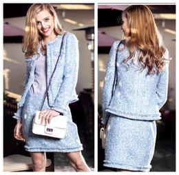 Falda de abrigo azul online-Nueva gama alta de lujo de tweed de lana de lana de manga larga con lentejuelas de cristal azul con lentejuelas y lápiz falda OL traje de dos piezas twinset