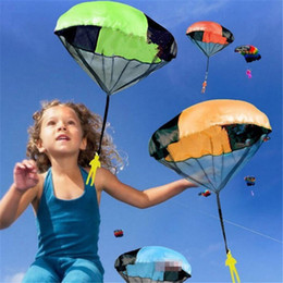 Wholesale Throw Toys - New Arrival Mini Hand Throwing Kids Parachute Toys Kids soldier Outdoor sports Children's Educational Toys free shipping