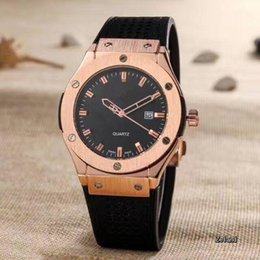 Wholesale Cheap White Gold Watches - luxury man big bang quartz rose gold watches black dial mens watch rubber band men skelton spotwatch hub cheap band military watches