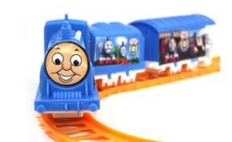 Wholesale Tren de juguete alimentado por traje de batería AA Rail Car para niños mayores de años de edad