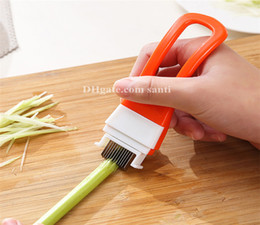 Wholesale new articles - New Kitchen convenience articles hand shank yarn cutter cutting vegetables onion