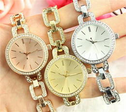 Wholesale Diamond Luxurious - large letters Clock dial Strip nail Clock dial Rhinestone Diamond inlay Luxurious Latest quartz Women watch Jewelry button Full Steel Watche