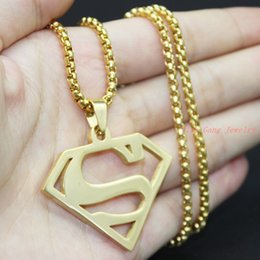 Wholesale Men S Gold Chain Necklace - Fashion Cheap Jewelry Necklace Super Man S Sign Charm Necklace Gold Plated Stainless Steel Man Superman Logo Pendant Necklace Jewelry
