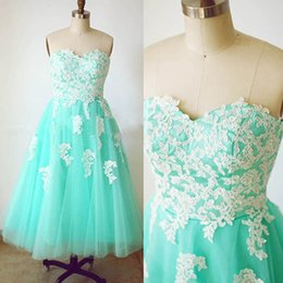 Wholesale Turquoise Sweetheart Neckline - 2016 Vintage Turquoise Tulle Prom Dress A Line Sweetheart Neckline Sleeveless Lace Appliques Cheap High Quality Homecoming Graduation Gowns