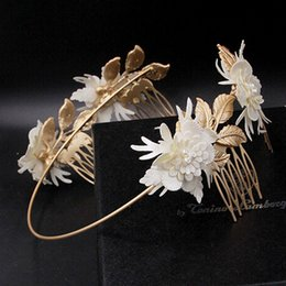 Wholesale Gold Leaves Hairband - 2017 Baroque Hairband Gold Bridal tiara Comb Wedding Jewelry Hair Comb Leaves Headbands Retro Luxury Hair Wear women Accessories