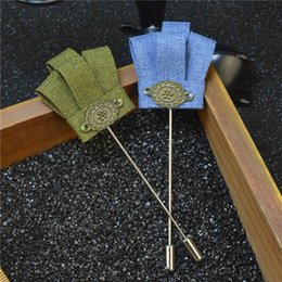 Wholesale Cheap Crown Pins - price cheap luxury crown brooch lapel pins with gift box Handmade boutonniere stick with fabric crowns for Gentleman suit wear match sweater
