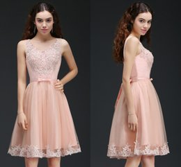 Wholesale Cheap Peach Short Dresses - Cheap Peach Short A Line Homecoming Dresses with Lace Appliques Beaded Knee Length Cocktail Party Gowns Prom Dresses 2017 Online CPS666
