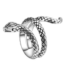 Wholesale Punk Heavy Metal - Wholesale Fashion Snake Rings For Women Color Silver Heavy Metals Punk Rock Ring Vintage Animal Jewelry Free Shipping
