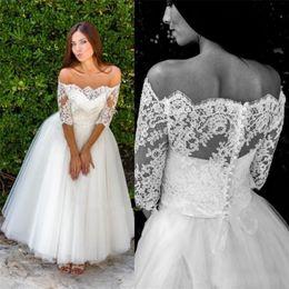 Off ombro meio vestido de casamento manga on-line-Meia manga fora do ombro rendas tule uma linha vestidos de noiva do vintage tornozelo comprimento vestidos de noiva vestido de noiva custom made