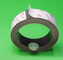 Tamaño de una pc de 1 m (L) * 30 mm (W) * 1,0 mm (T) 3M Tira de imán adhesivo; tira de imán adhesivo, imán de goma adhesiva desde fabricantes
