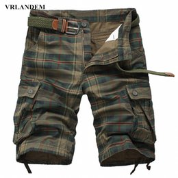 Wholesale Men S Leisure Outfits - Wholesale-Men's casual plaid shorts 2016 summer new outfits leisure loose shorts in the big pocket camouflage straight beach shorts