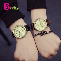 2019 ленточные часы Мальчики часы корейских студентов прилив мужской случайный простой ленты корейской моды тенденция пояса ретро кварцевые часы скидка ленточные часы