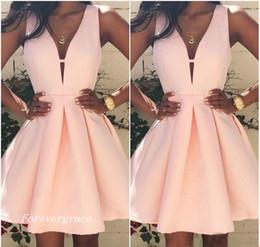 2017 Barato Rosa Corto Cuello En V Vestido de Cóctel de Moda Mini Club sin Espalda Vestido de Fiesta Vestido de Fiesta Más el Tamaño de Encargo desde fabricantes
