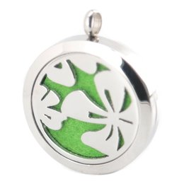 Wholesale Clover Design Necklaces - 30mm New Design Clover Aromatherapy Essential Oil surgical Stainless Steel Perfume Diffuser Locket Necklace with chain and felt pads