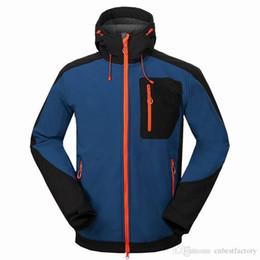 Wholesale Winter Hunting Coats - 2016 New Winter SoftShell Jackets For Men Fleece Windbreaker Jackets Outdoor Waterproof Windproof Breathable Hooded Down Ski Hunting Coats