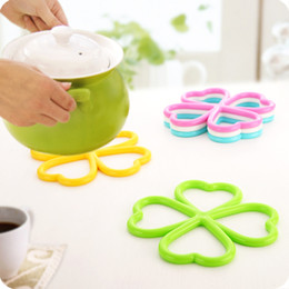 Wholesale Insulated Hot Pots - Wholesale- Anti Slip Dishes Insulated PVC Cup Mat Heat Pad Coaster Pad Bowl Heart Shaped New Placemat Hot Pot