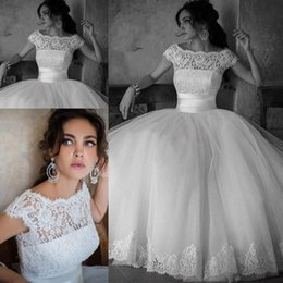 Wholesale Party Castles - Lace Sexy Wedding Dresses 2016 Women Bridal Bateau Party Floor Length Ball Gown With Short Sleeves Custom Plus Size