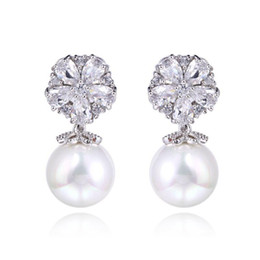 Wholesale Bridal Earrings Diamond Chandelier - Gorgeous Design Pear Cluster Flower Shape Hang Shell Pearl Top Quality Cubic Zirconia Diamond Bridal Dangle Earring