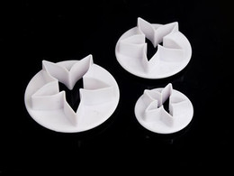 Wholesale Decorating Stocking Flowers - Wholesale- 3pcs Calyx Plunger Cutter Flower Petal Craft Cake Decorating DIY Tool