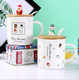Wholesale Coffee Mug Ceramic Spoon - 4 Style Christmas Mugs with Bamboo Lid Spoon Coffee Tea Cup Party Gift 350ML Water Milk Mugs Merry Christmas Ceramic Mug KKA3132