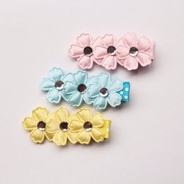 30 pc / lot cinco hojas flor rosa floral cristal bebé niñas pinzas para el cabello lindo azul amarillo flor venta al por mayor del pelo pasadores accesorios desde fabricantes