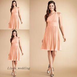Vestidos formal pastel on-line-Desconto de um ombro vestido de dama de honra Pastel coral pêssego curto chiffon júnior formal dama de honra vestido vestido de festa de casamento