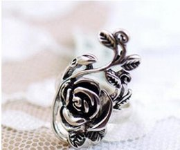 Wholesale Cheap China Roses - cheap price antique silver rose flower ring Personality retro rose ring ring hollow carved Palace ring fre shi[[ing