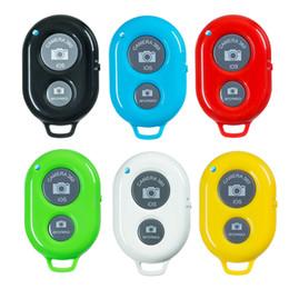 Telecomando a buon mercato bluetooth online-Otturatore remoto wireless per Android Otturatore autoscatto economico per IOS Selfie Sticks Controller Bluetooth 6 colori