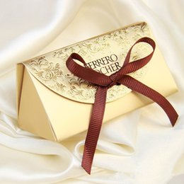 Wholesale Christmas Shipping Gift Box - Free shipping 100pcs Gold Wedding candy box gift box creative sugar sugar bag 2 wedding classic gift bag Ferrero Rocher boxed gold particle