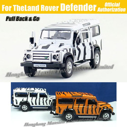 Wholesale Military Car Models - 1:36 Scale Diecast Alloy Metal Army Camo Military Vehicle Car Model For TheLand Rover Defender Collection Model Pull Back Toys