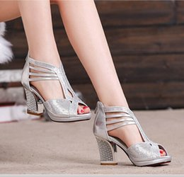 Wholesale Chunky Sandals Girls - New Summer Women Fashion Rhinestone High-heeled Sandals Ladies Sexy Roman Hollow Out Slippers Girls Lovely Fish Mouth Chunky Heels Sandals