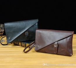 bolsas de diseño Rebajas El diseño de la marca de la personalidad Male Bag Retro Wear Crazy Horse Hombres Captura de la mano New Men Flip de la mano Asymmetric Envelope Wallet
