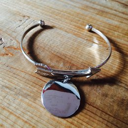 Wholesale Disk Bracelet - Best Seller Wholesale Rhodium Plated Arrowed Circle Charm Jewelry Bangle Personalized 25mm Blank Metal Disk Charm Cuffs Bracelet For Girl's