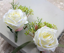 Wholesale Wrist Corsage Accessories - Lovely White Rose Flowers Wedding Groomsman Brooch And Bridesmaid Wrist Flowers Decoration Bridegroom Corsage Accessories Wedding Supplier