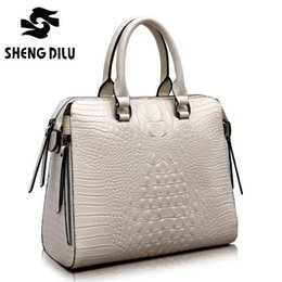 Wholesale Crocodile Embossed Handbags - 2016 Fashion Crocodile Women Genuine Leather Embossed Bag Famous Designers Brand Handbag Luxury Cowhide Shoulder Messenger Bags