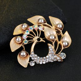 Wholesale Peacock Design Jewelry - Brand Design Peacock Brooch Pins Wholesale Beautiful Rhinestone Animal Brooches Fashion Luxury Scarf Clips Corsage Jewelry Free Shipping