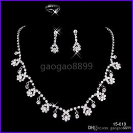 Wholesale Wedding Jewelry Sets For Cheap - luxury sparkly Jewelry Sets for Wedding Prom Evening Cocktail Bridal Accessories Shinning Cheap In Stock 2016 shipped within 2 days 15018 Je