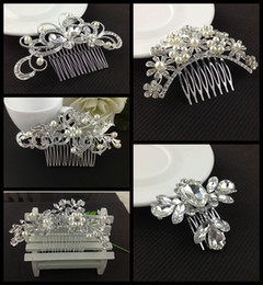 Wholesale Rhinestone Alloy Comb Hair Accessories - Trendy Women Wedding Jewelry Environmental Friendly Zinc Alloy Rhinestone Bride Hair Comb Accessories White Crystal Bridal Combs