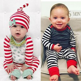 Wholesale Xmas Outfits - Christmas Newborn Baby Boy Girl Outfits Infant Hat T-shirt Pants Clothes 3-piece Outfit Set 2 Style XMAS Tolddler Kid Clothing Set 3-18M