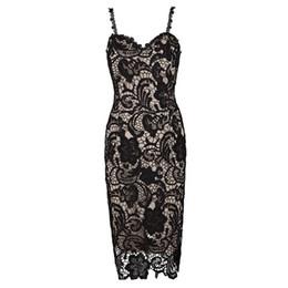 Panel mujer desnuda online-Sexy vestido de encaje femenino Pspective Oenwork delgado formal noche vestidos de baile para las mujeres con cuello en V profundo Parisia Negro Vestidos Midi de encaje desnudo W2814