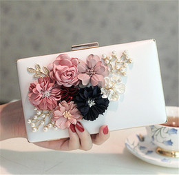 Wholesale Designer Wedding Handbags - Vintage Designer Evening Clutch Bag Crystal Rhinestone Wedding Handbag Pearl 3D Flower Purse Wallet Shoulder Chain Bag Large Metal Hard Box