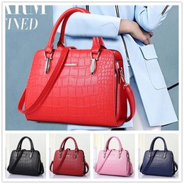 Wholesale Cheap Knit Handbag - New arrival cheap hot fashion style zipper crocodile grain women handbag shoulder Messenger cross-section BAG85