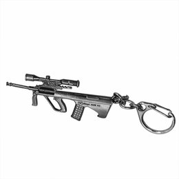 Wholesale Model Combine - Game weapon Steyr AUG A1 assault rifle combined with metal model key chain metal model key chain personality 100 creative surprise birthday
