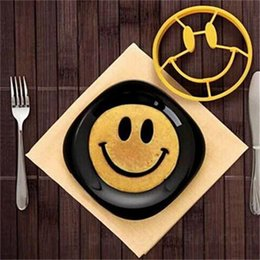 Wholesale Egg Shape Fried - Smiley Face Egg Mold Silicone Smile Shaped Pancakes Omelette Device Egg Tool Kitchen DIY Creative Fried Egg Mold IB355